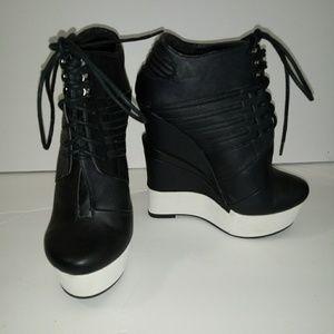 Michael Antonio Studio Black Wedge Booties Size 7